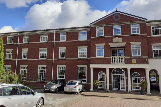 1 bed flat for sale in Queens Road, Hale, Altrincham WA15