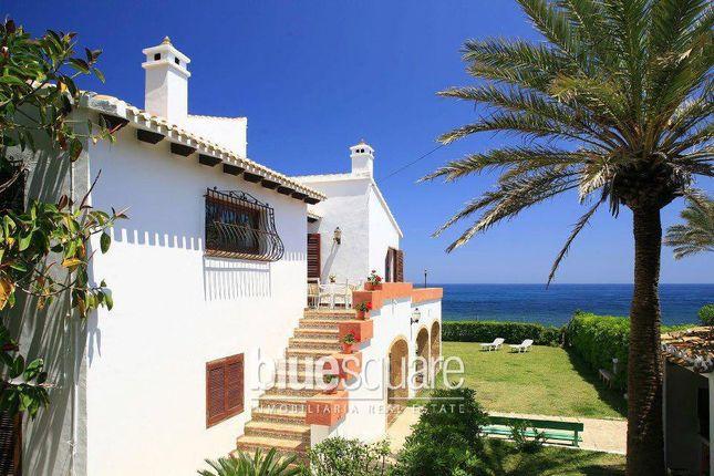 Продажа недвижимости в испании на берегу моря аликанте
