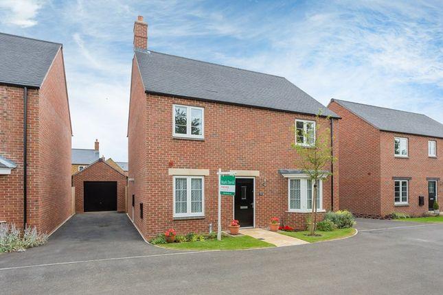 Thumbnail Detached house for sale in Goldings Road, Hook Norton, Banbury