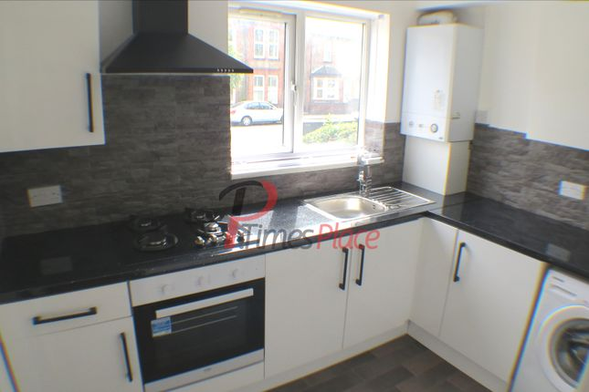 Thumbnail 1 bed flat to rent in Hogarth Crescent, London
