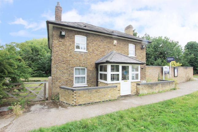 Thumbnail Detached house for sale in Willow Avenue, Denham, Uxbridge