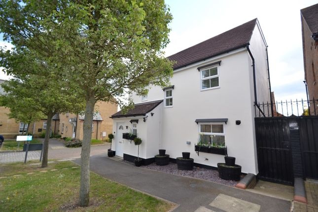 Thumbnail Detached house for sale in Greenwich Way, Waltham Abbey