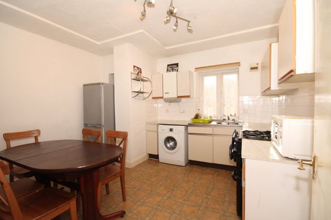 Thumbnail Flat to rent in Bentham Court, New North Road, London
