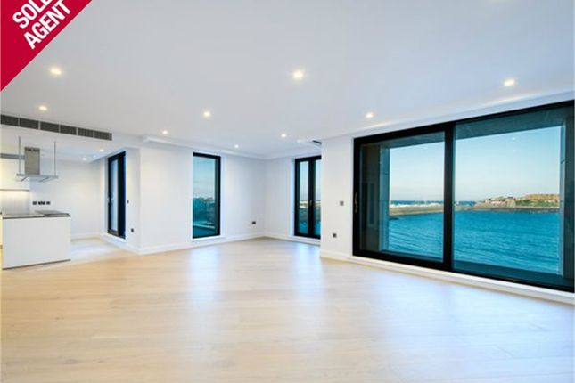 Thumbnail Flat for sale in South Esplanade, St. Peter Port, Guernsey