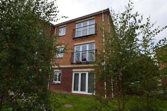 2 bed flat for sale in Meadow Way, Tyla Garw, Pontyclun CF72