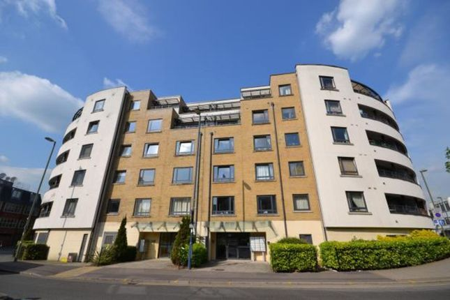 Thumbnail Flat for sale in 99 Chertsey Road, Woking