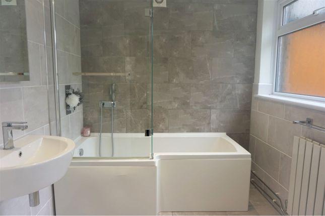 Bathroom of Severn Street, Hull HU8