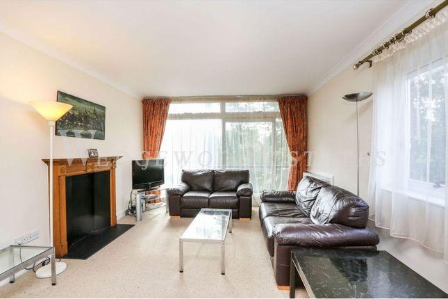 Flat to rent in Park Close, Ilchester Place, Kensington, London