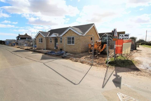 Thumbnail Detached bungalow for sale in California Road, California, Great Yarmouth