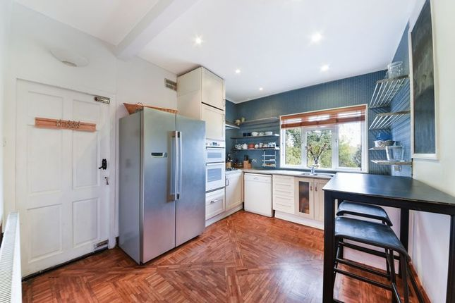 Thumbnail Flat for sale in Leigham Court Road, London