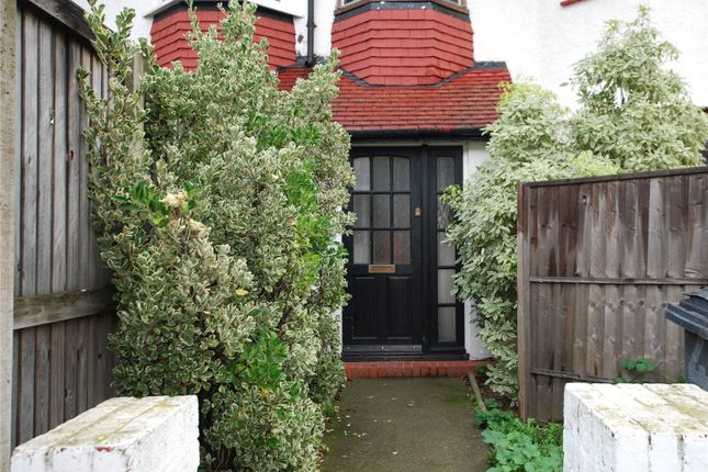 Thumbnail Flat to rent in Norbury Crescent, London