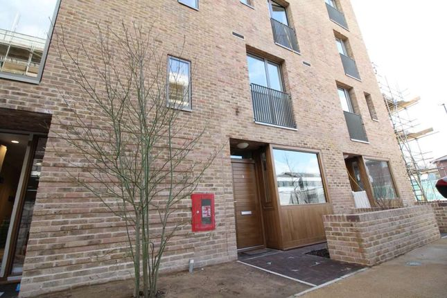 3 bed flat for sale in Narrowboat Avenue, Brentford