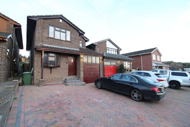 4 bed detached house to rent in Downer Road North, Benfleet, Essex SS7