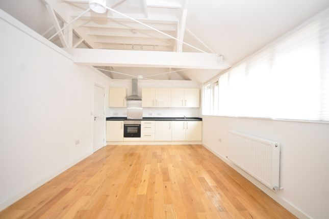 Thumbnail Flat to rent in Swan Street, West Malling