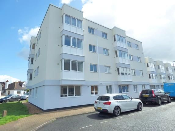 1 bed flat for sale in High Street, Lee-On-The-Solent, Hampshire