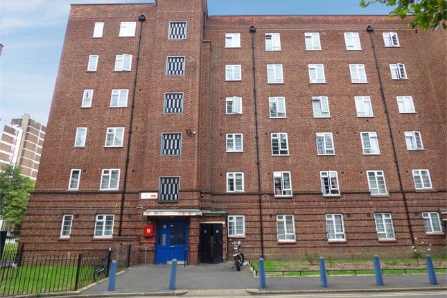 4 bed flat for sale in Frampton Park Road, London E9