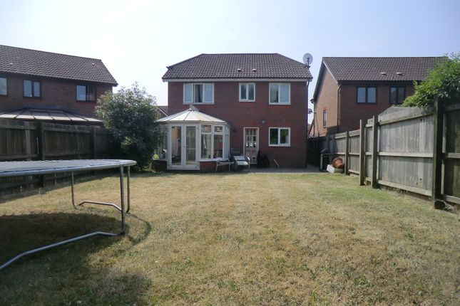 Thumbnail Detached house for sale in Hollingworth Close, West Molesey