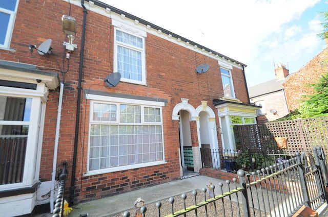 Thumbnail Terraced house for sale in Princess Grove, Ena Street, Hull