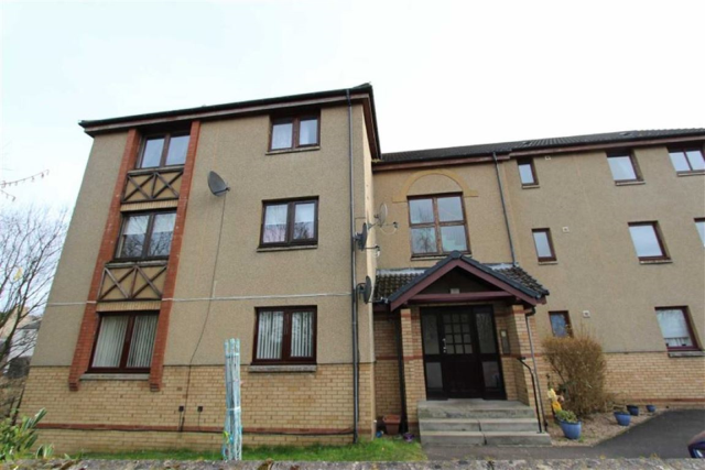 Thumbnail Flat to rent in 26, Colton Court, Dunfermline KY12,