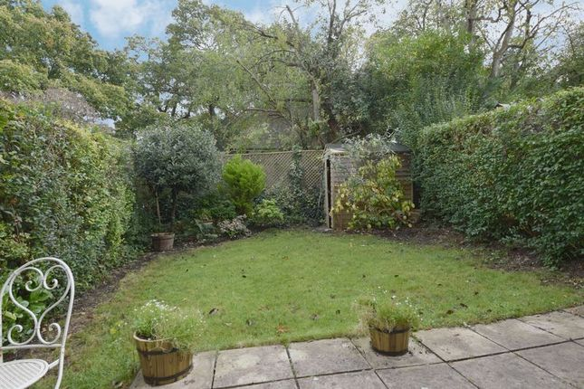 Photo 7 of Erskine Hill, Hampstead Garden Suburb, London NW11