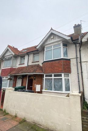 4 bed maisonette to rent in Hollingdean Terrace, Brighton, East Sussex BN1