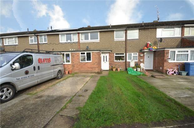 Thumbnail Terraced house for sale in Kingsway, Blackwater, Surrey