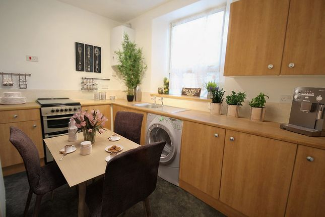 Thumbnail Flat to rent in Keppel Street, Stoke, Plymouth