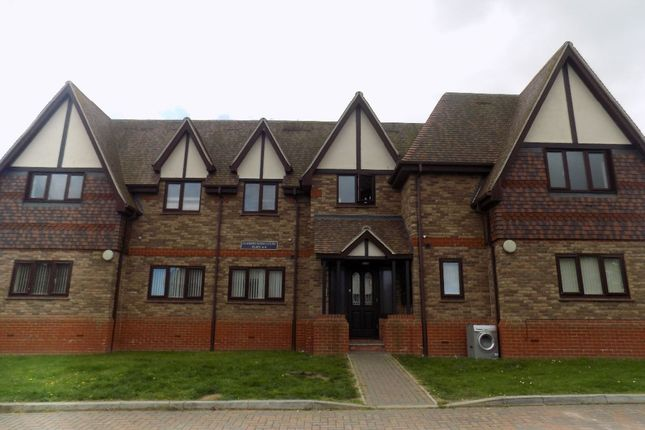 Thumbnail Flat to rent in Minster Road, Minster On Sea, Sheerness