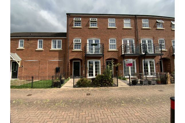 Thumbnail Town house for sale in Georgian Way, Kidderminster