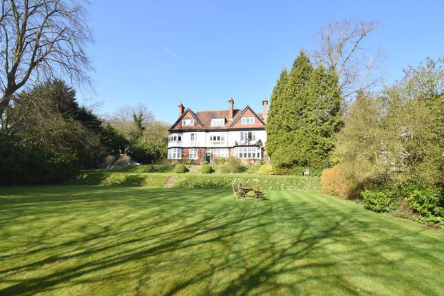Thumbnail Flat for sale in Northlands, Streatley On Thames, Reading