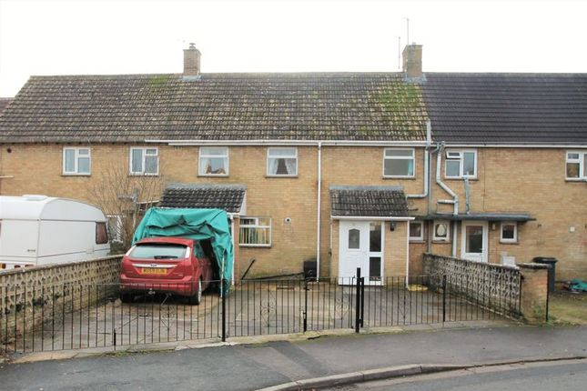 3 bed terraced house for sale in Queensfield, Fairford, Gloucestershire.