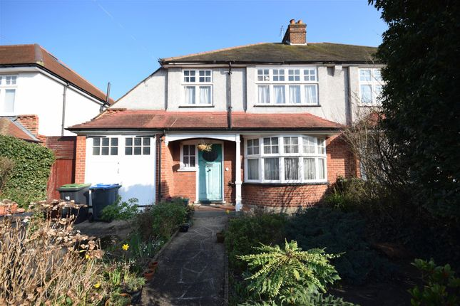 3 bed property for sale in Orchard Avenue, New Malden