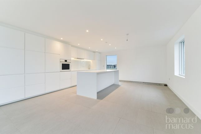 Thumbnail Flat for sale in Robertson Street, London