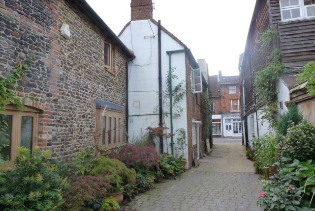 2 bed flat to rent in Clayton Court, Downing Street, Farnham GU9