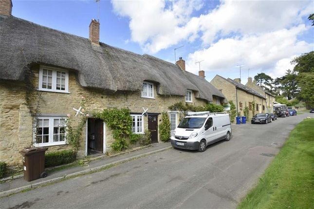 Thumbnail Cottage to rent in High Street, Upper Heyford, Oxfordshire