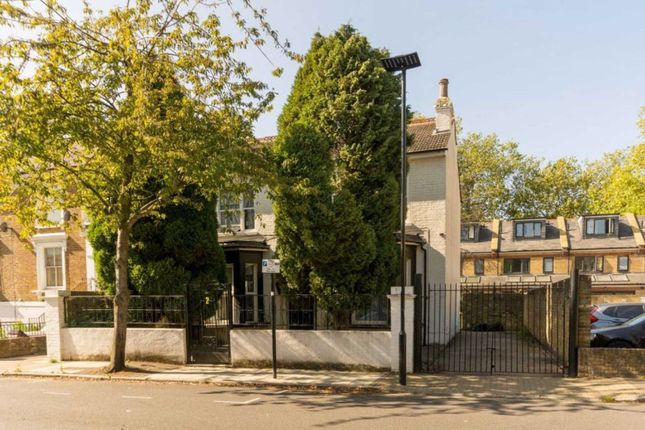 Thumbnail Property to rent in Cambridge Road North, London