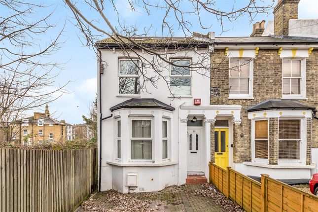 Flat for sale in Canterbury Grove, London