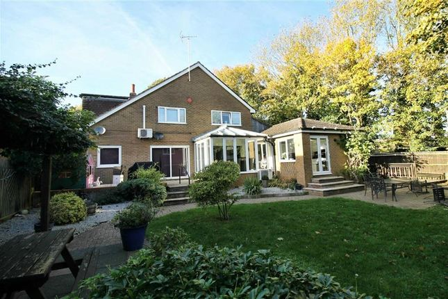 Thumbnail Detached house for sale in Otter Close, Bletchley, Milton Keynes