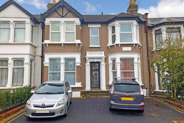 Thumbnail Flat for sale in Courtland Avenue, Ilford