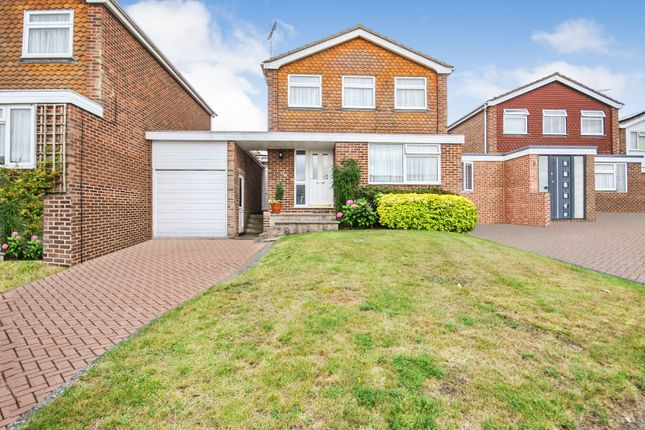 Thumbnail Link-detached house for sale in The Crest, Sawbridgeworth, Hertfordshire