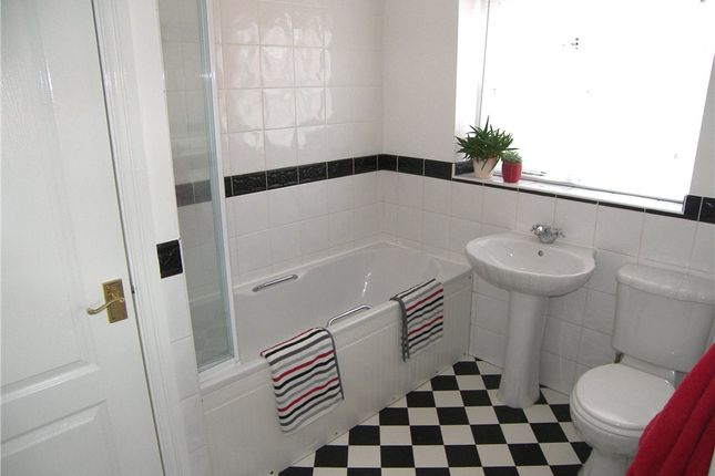 Bathroom of Loom Close, Belper DE56