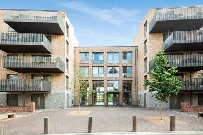 Thumbnail Flat to rent in Copland Court, Brentford, London