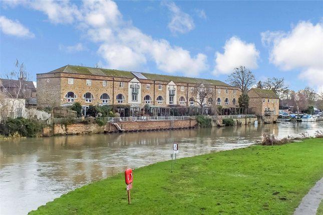 Picture No. 22 of River Terrace, St Neots, Cambridgeshire PE19