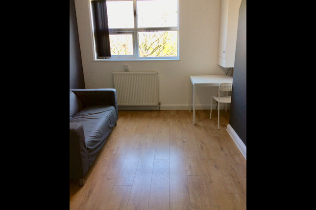 Thumbnail Flat to rent in 14 Sandy Grove, Manchester
