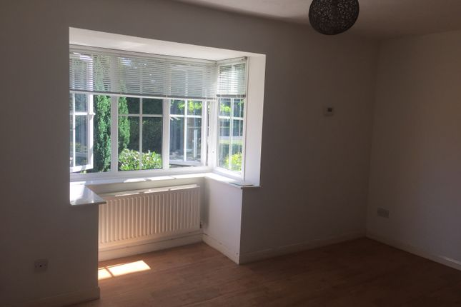 1 bed semi-detached house to rent in Woodhead Drive, Cambridge