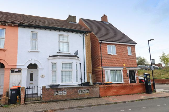 Thumbnail Semi-detached house to rent in St. Leonards Avenue, Bedford