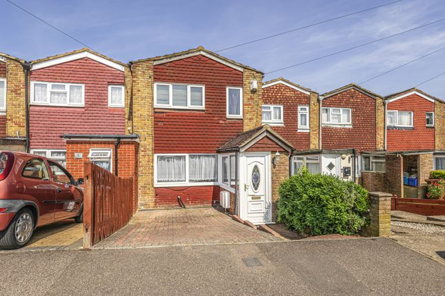 3 bed terraced house for sale in Highlands Close, Rochester ME2