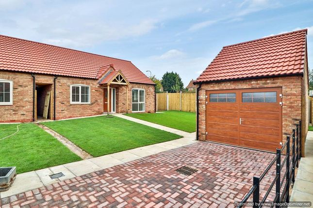 Thumbnail Detached bungalow for sale in Laughton Road, Blyton, Gainsborough