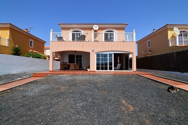 6 bed chalet for sale in Paseo Marítimo Promenade, 35610 Castillo Caleta De Fuste, Las Palmas, Spain