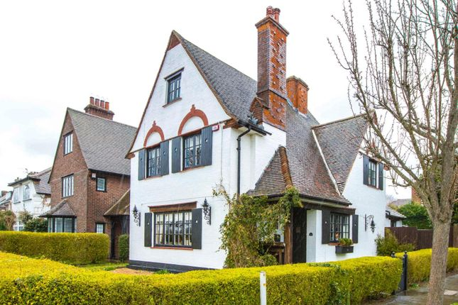 Thumbnail Detached house for sale in Parkway, Gidea Park, Romford